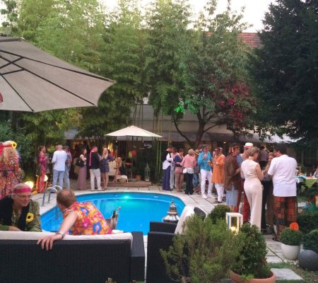 Indien Summer Party am Pool